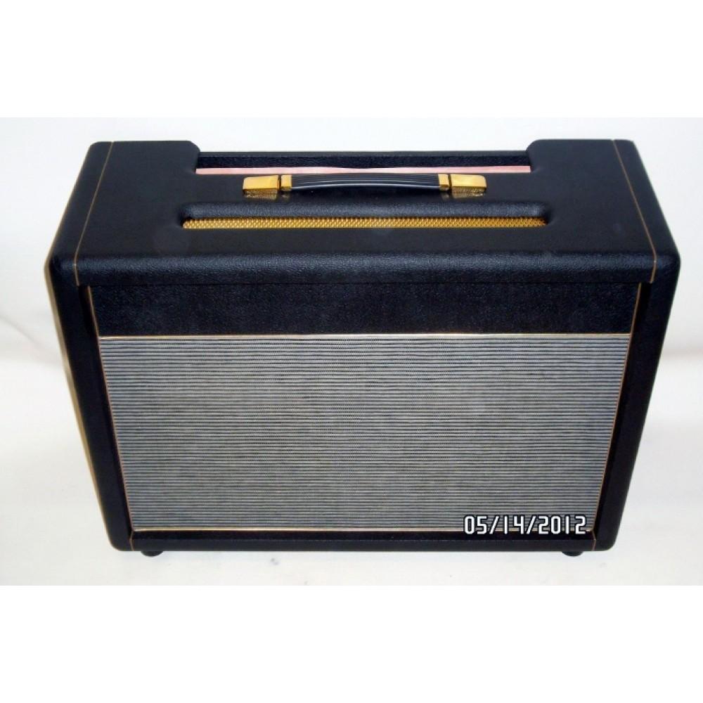 2x12 speaker cabinet